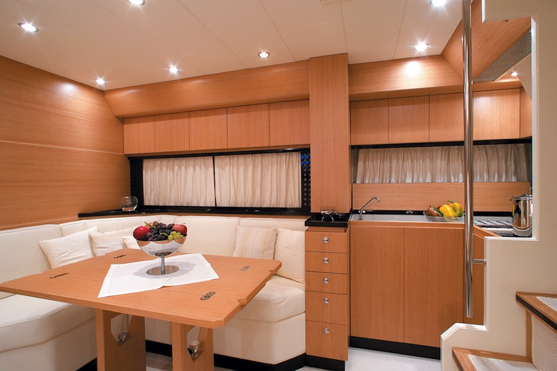 Sarnico 50 Yacht - Kitchenette